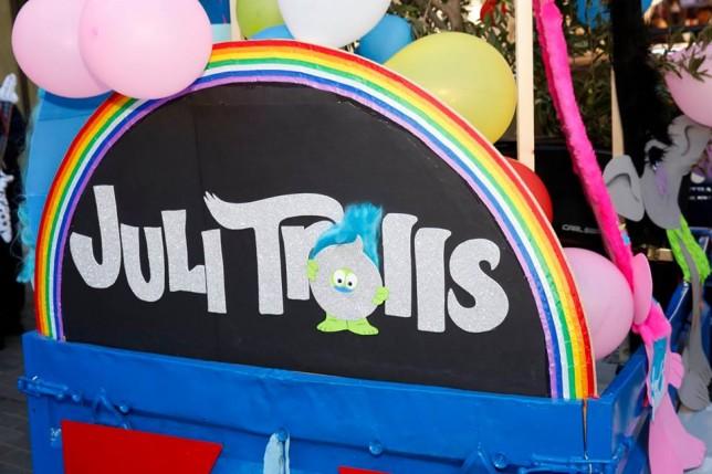 juli_trolls